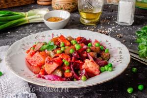 Винегрет из запеченных в духовке овощей готов