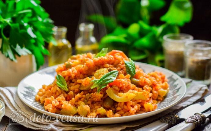 Булгур с овощами в томатном соусе