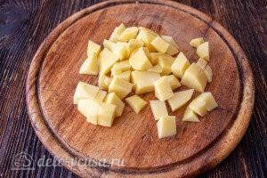 Картошку режем кубиками