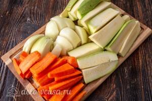 Чистим и режем овощи