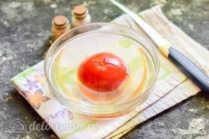 Снимаем с помидора шкурку