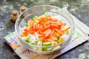 Режем морковку соломкой