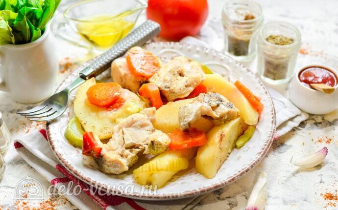 Диетический хек с картофелем и овощами в рукаве