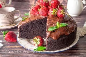 Торт в разрезе очень пористый и пышный
