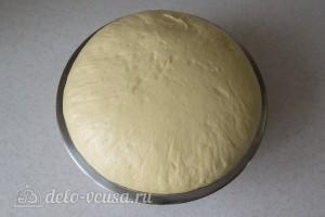 Когда тесто увеличивается в объеме в два раза с ним можно работать дальше