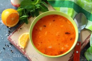Турецкий суп «Эзо чорбаси» с булгуром и чечевицей готов