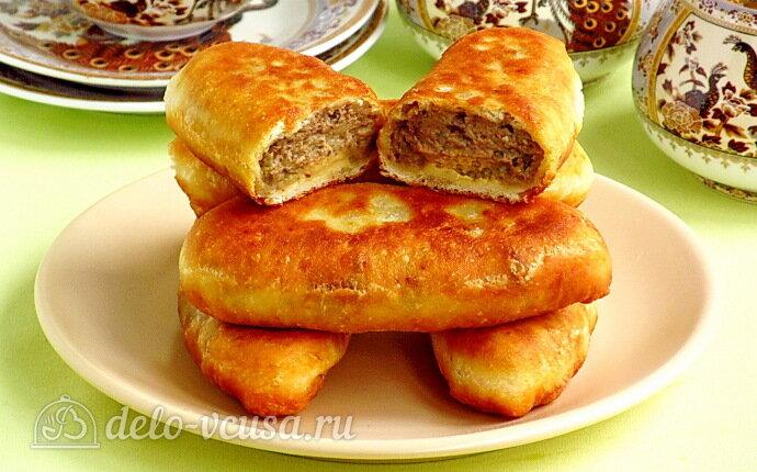 Жареные пирожки на кефире с картофелем и куриной печёнкой