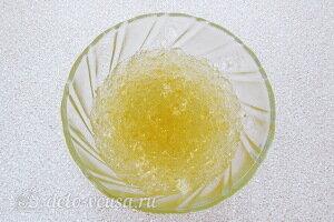 Разводим желатин в кипяченой воде