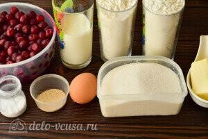 Быстрые дрожжевые пирожки с вишней на кефире: Ингредиенты