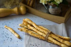 Итальянские хлебные палочки гриссини готовы
