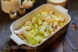 Добавить специи по вкусу к овощам