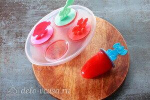 Вынимаем мороженое и наслаждаемся натуральным фруктовым льдом