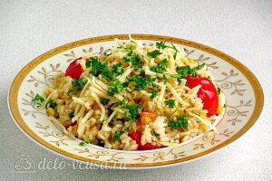 Рис с помидорами и кукурузой готов