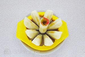 Чистим и режем яблоко