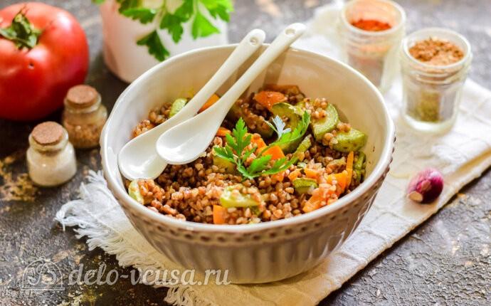Гречневая каша с кабачками и морковью