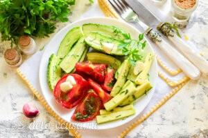 Хрустящие малосольные овощи в пакете готовы