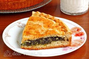 Сладкий пирог со щавелем и творогом готов
