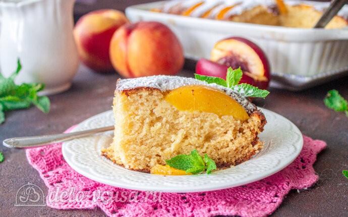 Пирог с консервированными персиками и рикоттой