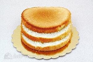 Бисквитный торт со сгущенкой «Тайный комплимент»: Делим корж на три части