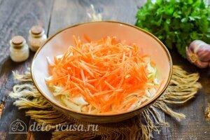 Капуста по-корейски на зиму: Трем морковь на терке