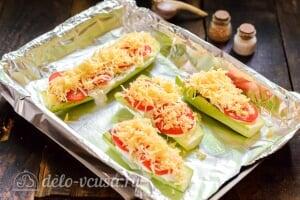 Лодочки из кабачков фаршированные фаршем: Посыпаем кабачки сыром и отправляем в духовку