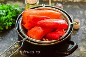 Маринованный перец с чесноком на зиму: Варим болгарский перец 5 минут