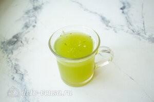 Соединяем огуречный сок с лимонным сиропом