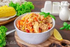 Овощное рагу с курицей и рисом готово