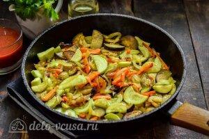 Соте из баклажанов и кабачков: Тушим овощи на сковороде