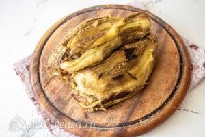 Бабагануш из баклажанов: Чистим печеные баклажаны