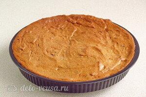 Белковый пирог «Три ингредиента» с черносливом готов
