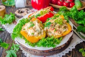 Фаршированные перцы с сыром в духовке готовы