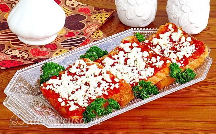 Горячие бутерброды с брынзой и помидорами «Анисимовские»