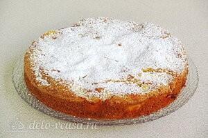 Пирог «Заливные яблоки» со сметаной готов