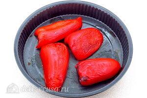 Рис по-креольски с грибами: Запекаем перец до мягкости