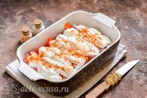 Куриные сердечки в сметане в духовке: Добавляем сметану и специи