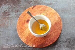 Cалат с инжиром, мягким сыром и беконом: Готовим заправку для салата