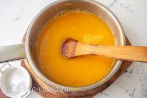 Домашний кисель из облепихи: Добавляем в облепиховый напиток сахар