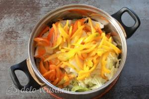 Маринованная пекинская капуста: Добавляем порезанный перец
