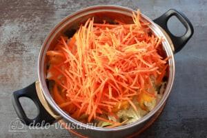 Маринованная пекинская капуста: Трем морковку на специальной терке
