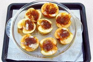 Печеные яблоки под белковой пеной: Запекаем яблоки в течение 15 минут