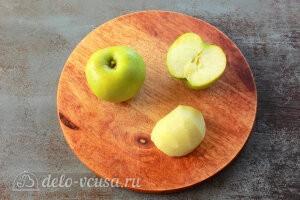 Яблочные трубочки на кефире: Чистим яблоки