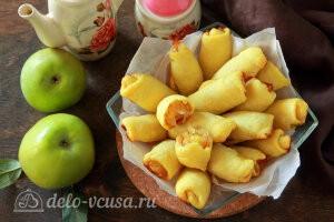 Яблочные трубочки на кефире готовы