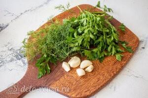Жареный перец с чесноком «Минутный» целиком: Моем зелень и чистим чеснок