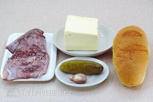 Бутерброды с солеными огурцами и кальмарами: Ингредиенты