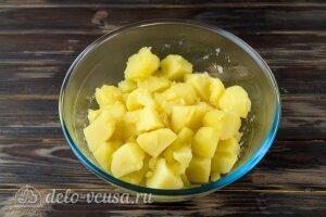 Картофельные зразы с капустой: Сливаем воду с картошки