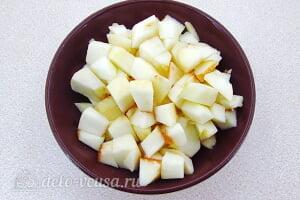 Творожное желе с яблоками «Задумка»: Порезать яблоки кубиками