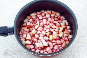 Творожное желе с яблоками «Задумка»: Добавляем яблоки в сироп