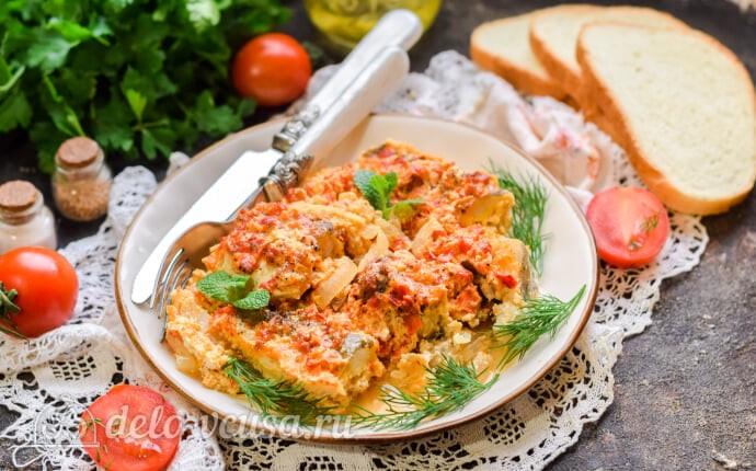 Рыба в духовке под овощным соусом