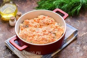 Рыба в духовке под овощным соусом: Заливаем рыбу соусом